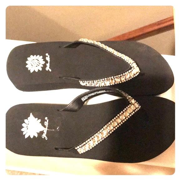 8f018e64d1e6 New size 7.5 black rhinestone wedge flip flops